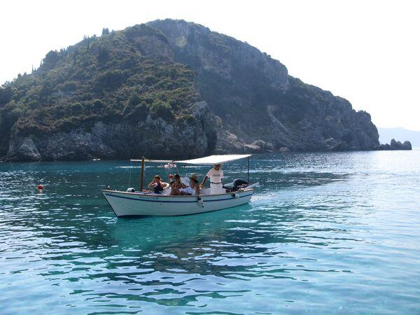 Турецкую съемочную группу выпроводили с греческого островка