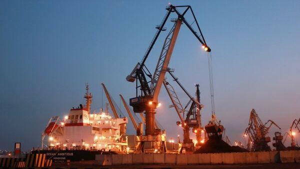 Судно Ocean Ambitious с энергетическим углем из США в порту Одессы