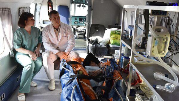 Вертолет санавиации в Крыму. Архивное фото