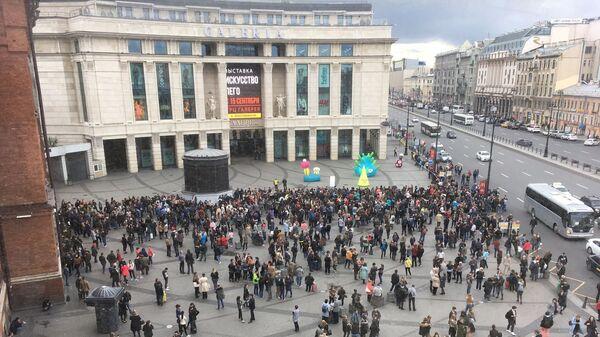 Эвакуация в ТЦ Галерея в Санкт-Петербурге. 14 сентября 2017
