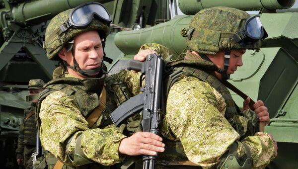 Военнослужащие вооруженных сил РФ во время учений Запад-2017. Архивное фото
