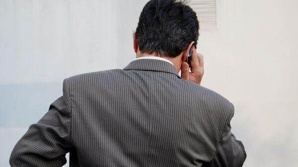 По закону коллекторы не могу звонить должнику чаще одного раза в день