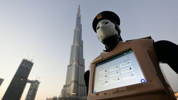 Первый в мире робот-полицейский в Дубае, ОАЭ. Архивное фото