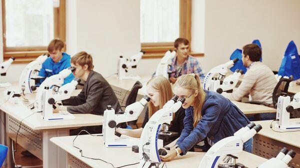 В ТюмГУ открылась школа по почвенной зоологии и экологии