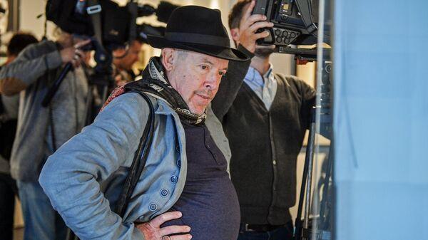 Музыкант Андрей Макаревич на открытии выставки Художник рисует фильм. Ярбусова и Норштейн
