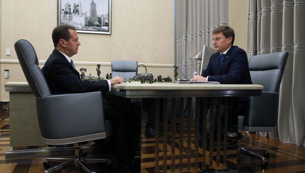 Дмитрий Медведев и президент, член наблюдательного совета АК АЛРОСА Сергей Иванов во время встречи. 20 сентября 2017