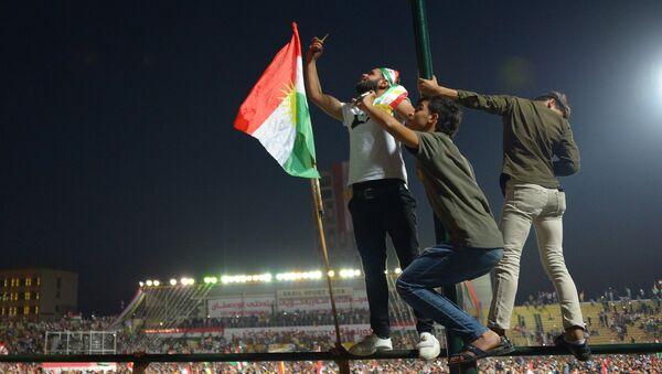 Сторонники независимого Иракского Курдистана на Фестивале независимости на стадионе Франсо Харири в Эрбиле
