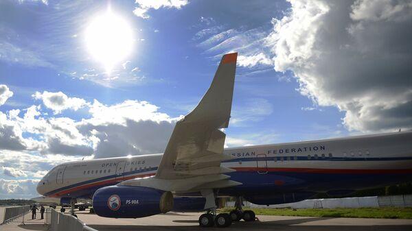 Самолет авиационного наблюдения Ту-214ОН, созданный для облета стран-участниц договора по открытому небу (The Treaty on Open Skies)