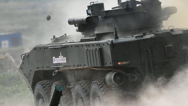 Боевая машина пехоты на платформе Бумеранг. Архивное фото