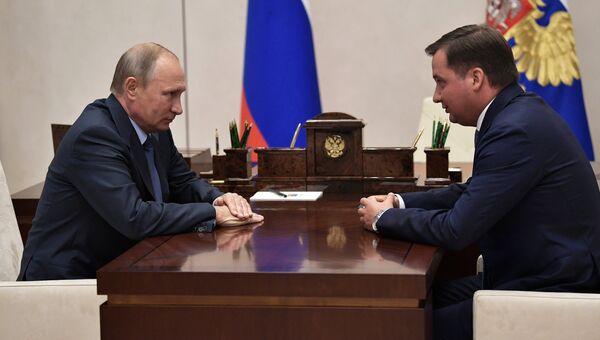 Президент РФ Владимир Путин и Александр Цыбульский во время встречи. 28 сентября 2017