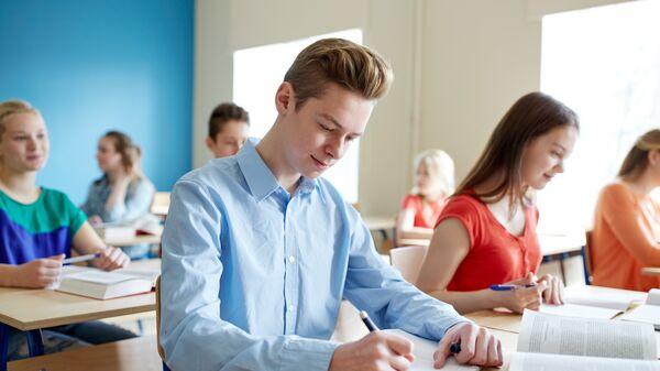 Учащиеся во время тестирования
