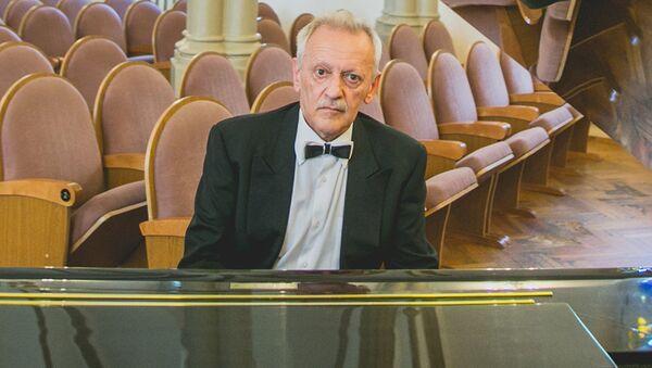 Пианист Михаил Клейн. Архивное фото