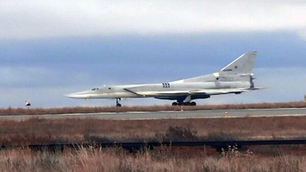 Бомбардировщик Ту-22М3 впервые выполнили посадку на аэродром Анадырь. 5 октября 2017