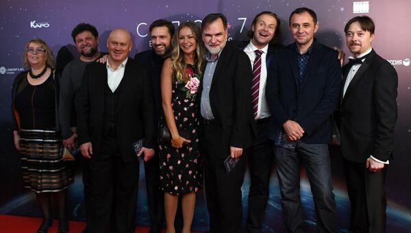 Актёрский состав фильма Салют-7 на премьере в кинотеатре Октябрь