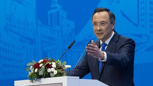 Министр иностранных дел Казахстана Кайрат Абдрахманов выступает на IV Международном форуме выпускников МГИМО в Казахстане. 6 октября 2017