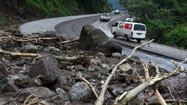 Завалы оставленные штормом Нейт в департаменте Валье в Гондурасе. 6 октября 2017