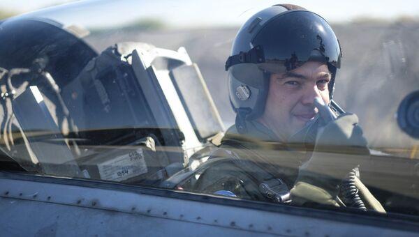 Премьер-министр Греции Алексис Ципрас совершил полет на истребителе F-16