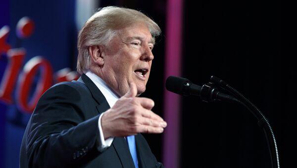Президент США Дональд Трамп выступает в Вашингтоне. 13 октября 2017