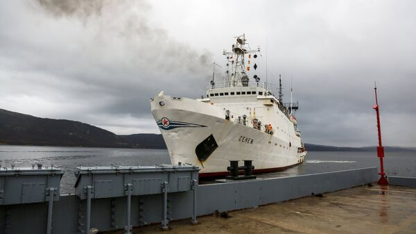 Гидрографическое судно Сенеж