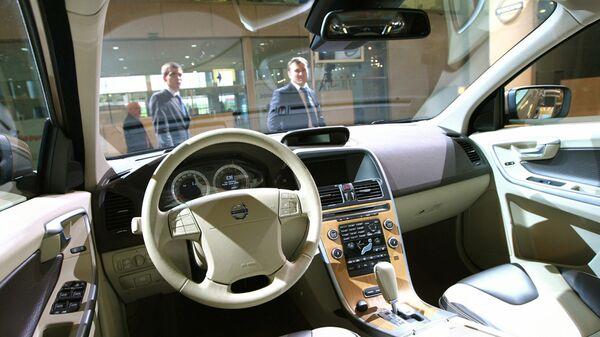 Автомобиль Volvo XC60