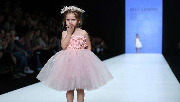 b61879a28 Показ детской коллекции одежды Blue Jasmine в рамках Mercedes-Benz Fashion  Week Russia
