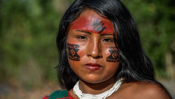 Представительница племени Ваямпи в бразильском штате Амапа