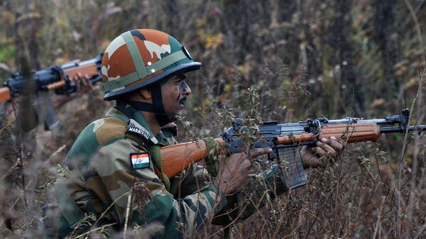 Военнослужащий Вооруженных Сил Индии на учениях Индра