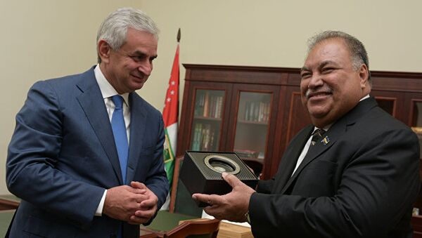 Президент Абхазии Рауль Хаджимба и президент Республики Науру Барон Вака. 12 ноября 2017