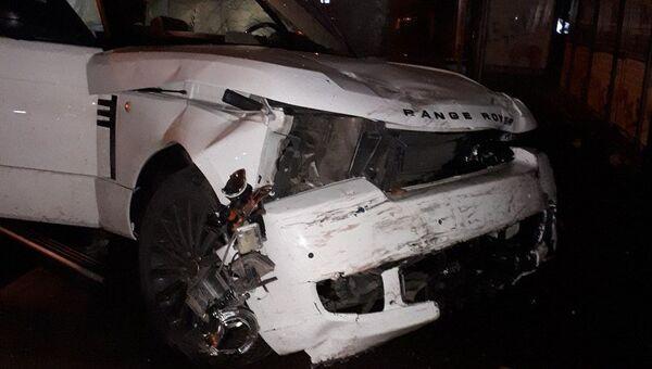 ДТП в Краснодаре, где водитель внедорожника Range Rover врезался в ВАЗ-2114. 13 ноября 2017