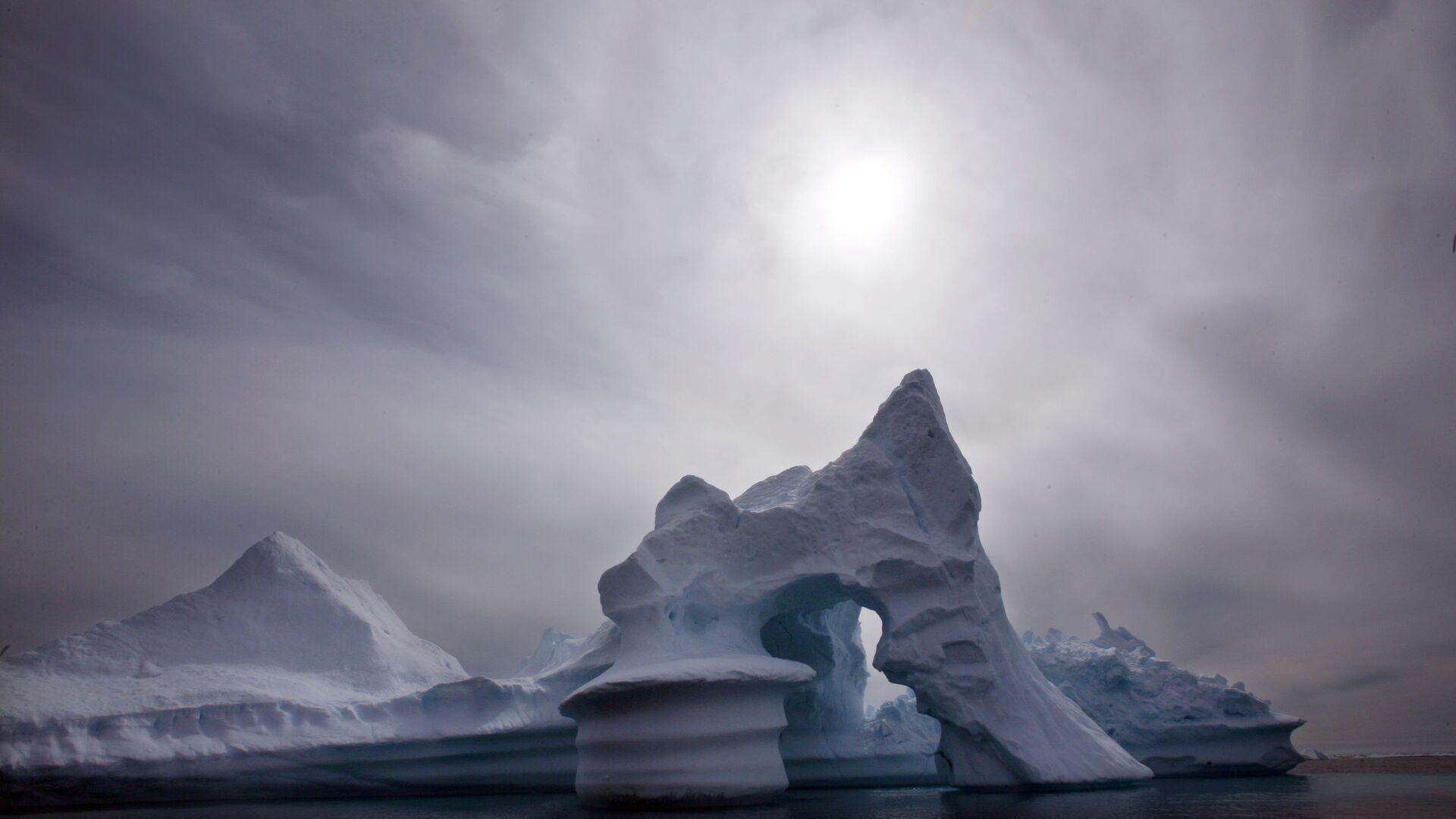Озоновый слой в Арктике сократился до рекордного уровня - РИА Новости, 1920, 30.06.2020