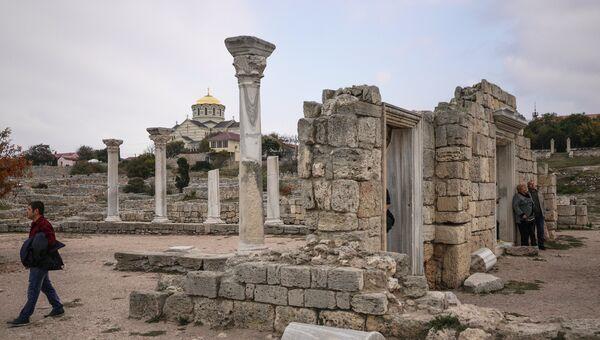 Руины на территории национального заповедника Херсонес Таврический в Севастополе. Архивное фото