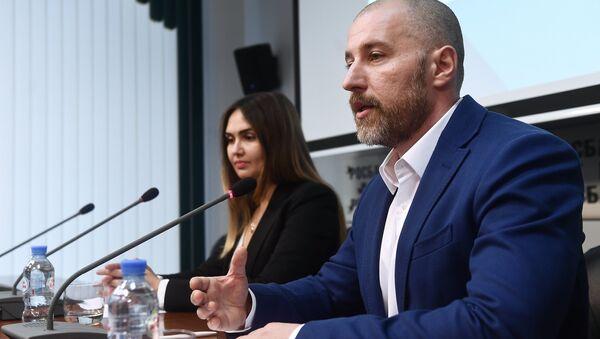 Пресс-конференция лидера общественного движения Возрождение Александра Чухлебова