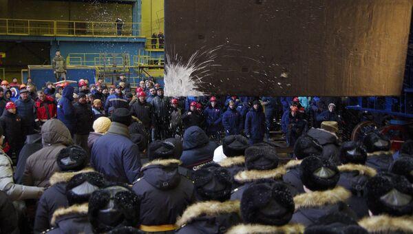 Церемония вывода из дока атомного подводного ракетоносца Князь Владимир проекта Борей-А. 17 ноября 2017