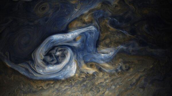 Ураган, снятый на поверхности Юпитера зондом Juno в конце октября этого года