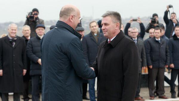 Премьер-министр Молдавии Павел Филип и президент Приднестровья Вадим Красносельский. Архивное фото