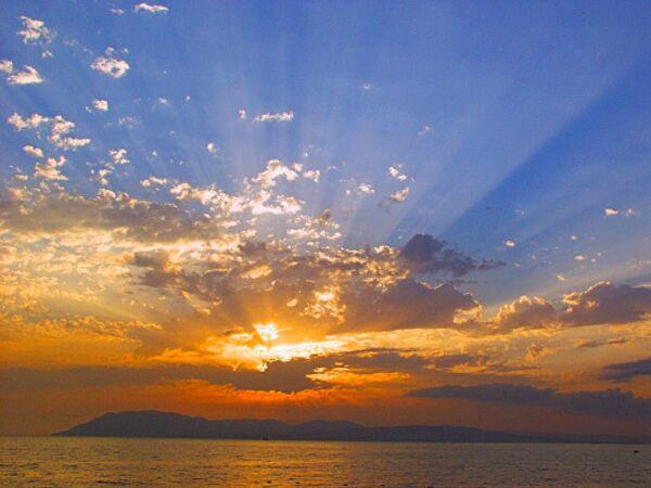 Смерчи возможны в Черном море в первой декаде июля - МЧС РФ