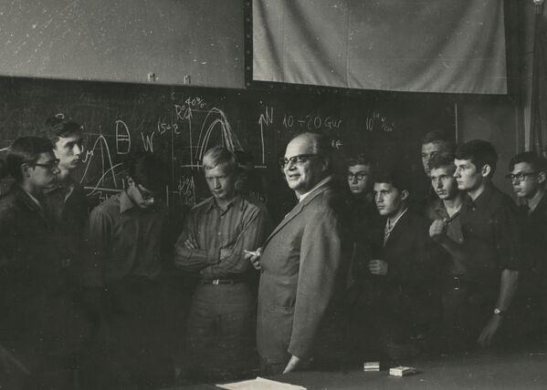 Лауреат Нобелевской премии по физике Николай Геннадиевич Басов