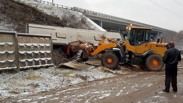 Устранение последствий ДТП с пассажирским автобусом на трассе М4 в Домодедовском районе. 21 ноября 2017