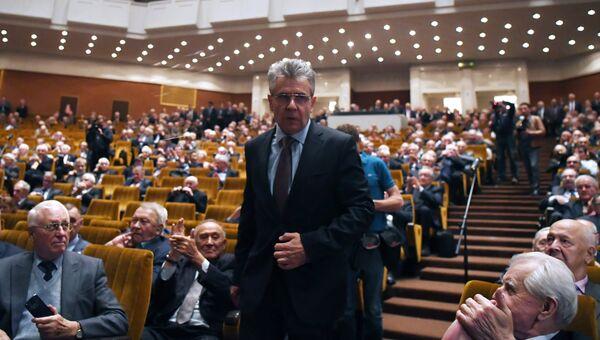 Академик Александр Сергеев на общем собрании членов РАН. Архивное фото