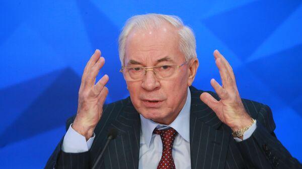 Азаров заявил, что война России и Украины продлилась бы не больше недели
