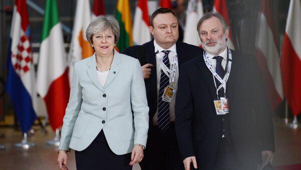 Премьер-министр Великобритании Тереза Мэй перед началом 5-го Саммита Восточного партнерства в Брюсселе. 24 ноября 2017