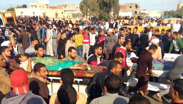 Рядом с местом теракта в мечети эр-Роуда неподалеку от города Эль-Ариш. 24 ноября 2017