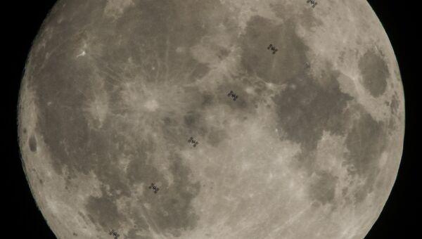 Транзит Международной космической станции по диску Луны. 2 декабря 2017