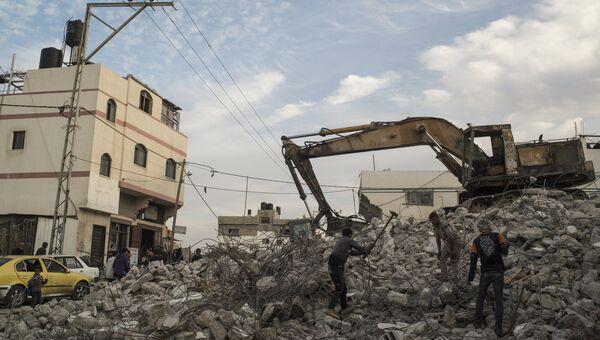 Разрушенный дом в результате обстрела в секторе Газа. Архивное фото