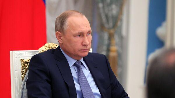 Владимир Путин на заседании Совета по стратегическому развитию и приоритетным проектам. Архивное фото