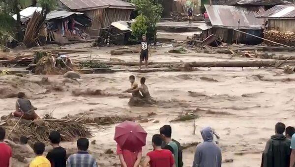 Последствия тропического шторм Томбин на Филлипинах. 22 декабря 2017
