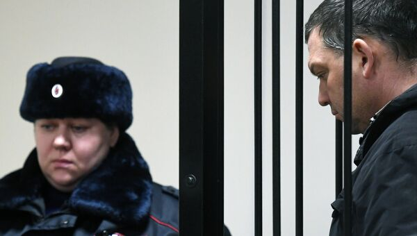Экс-директор фабрики Меньшевик Илья Аверьянов, обвиняемый в убийстве, в Пресненском суде Москвы. 28 декабря 2017