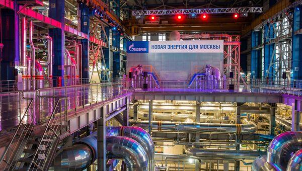 Машинный зал ПГУ-420 ТЭЦ-16. КПД энергоблока достигает 58% - это один из лучших показателей в российской электроэнергетике.