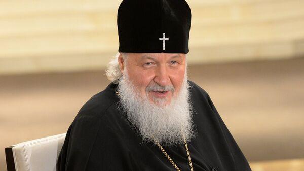 Патриарх Московский и всея Руси Кирилл отвечает на вопросы журналистов во время интервью