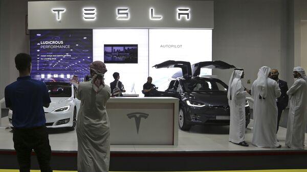 Стенд Tesla